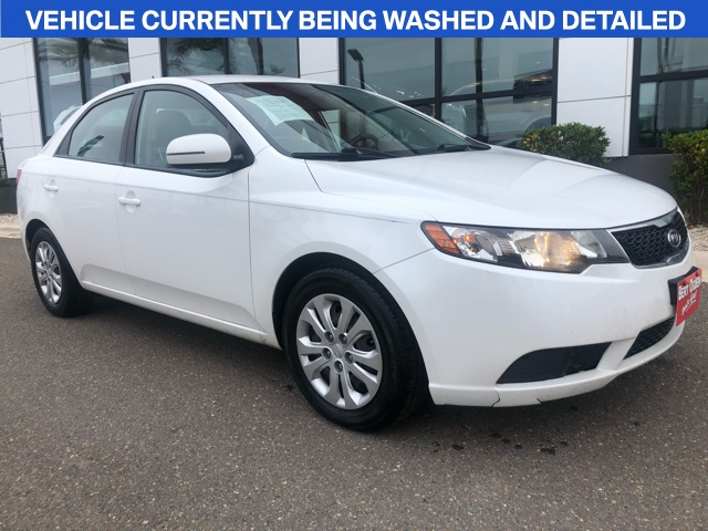 Pre-Owned 2013 Kia Forte EX FWD 4D Sedan